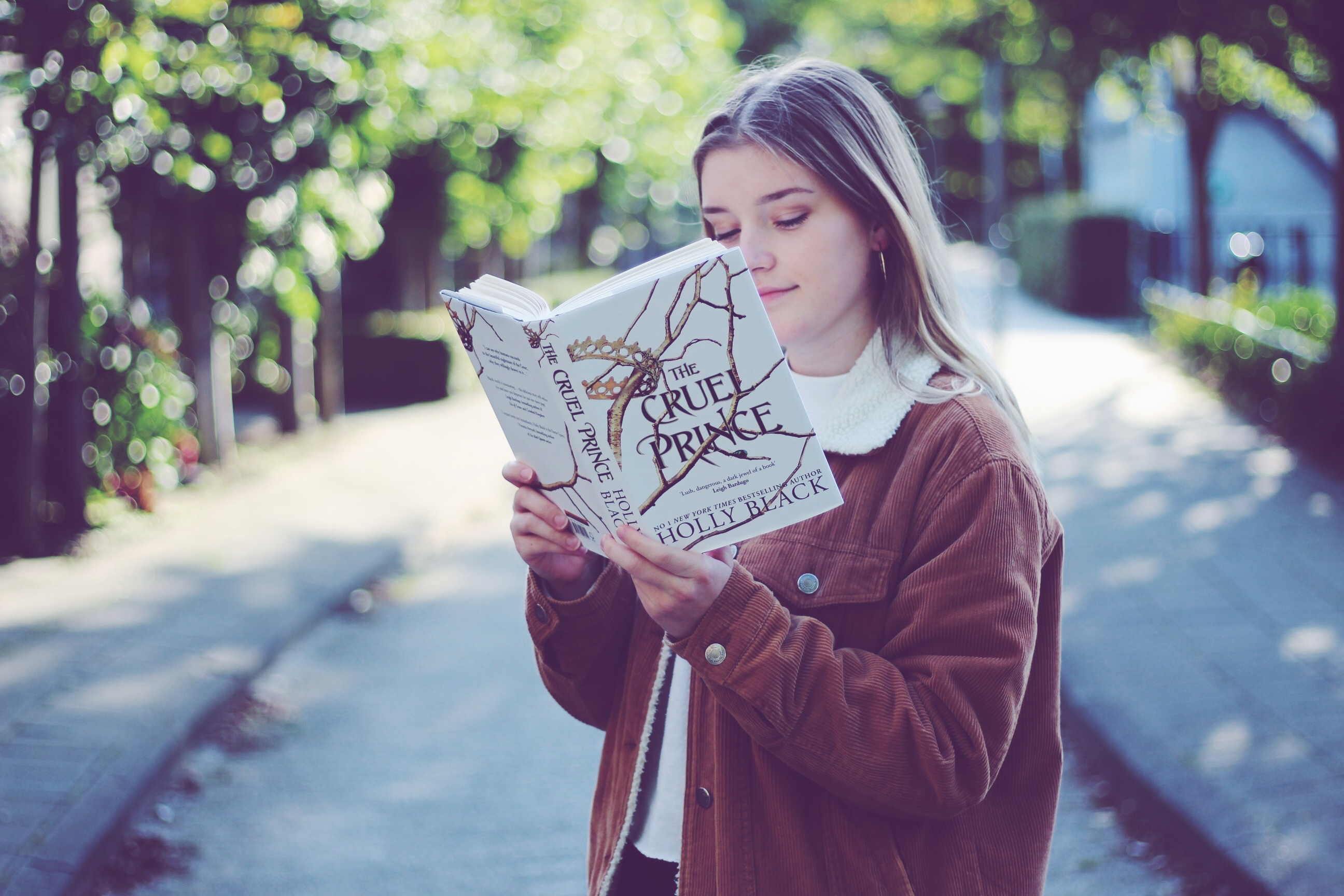 Look with a Book