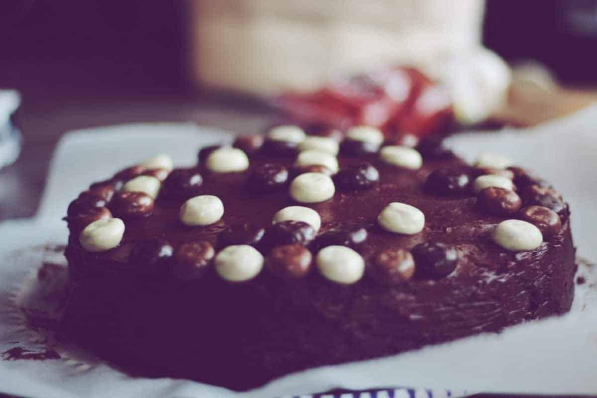 Chocolate cake with pepernoten